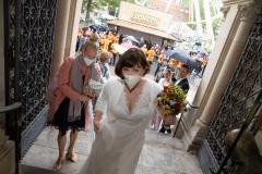 während der Hochzeit von Anna und Jan am Freitag (27.08.2021) im Standesamt in Braunschweig. Foto: Florian Kleinschmidt